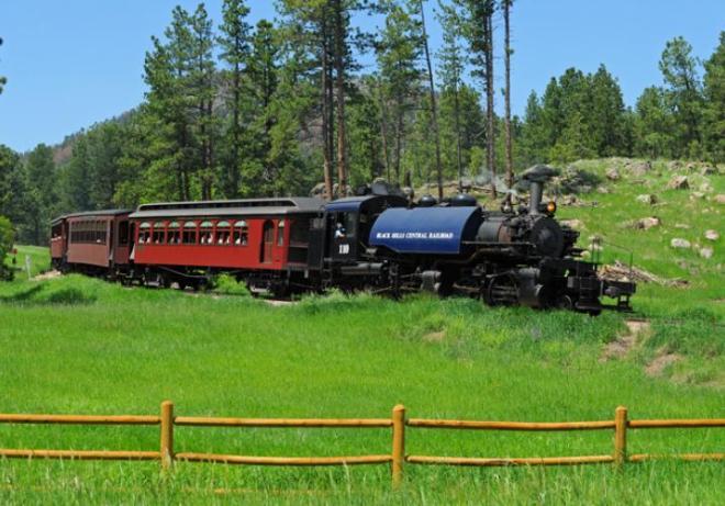 1880-train-590.jpg